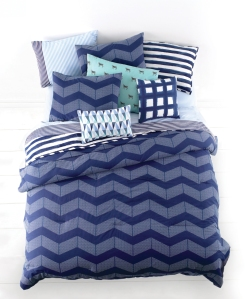 WHIM_SPOT_CHEVRON_5-PIECE_COMFORTER_SET_140-200